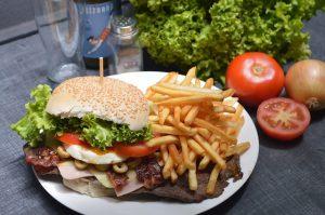 burger-2034433_640