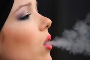girl-smoke-cigarette-2198839_640