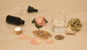 creating-perfume-1539654_640
