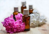 essential-oils-1433694_640