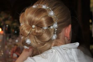 hairstyle-1347557_640