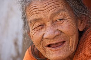 old-lady-845225_640