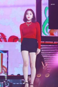 Red-Velvet-Yeri-Short-Hair-2